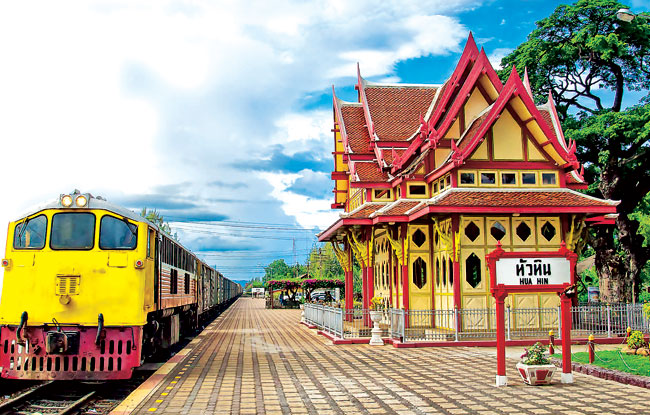 14.-Hua-Hin-Railway-Station-by-signalfire