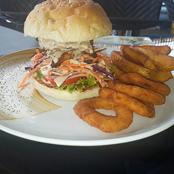 219 baht Melted Blue Cheese Chicken Filet Burger at BBQ Prime Time Soi M.I.T – 13-18 March 2018