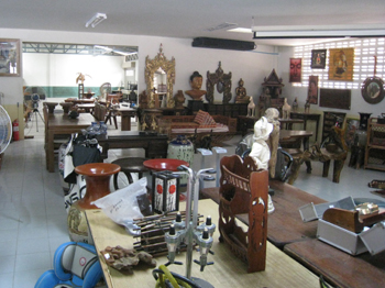 Auctions Every Saturdays At Collingbourne Auction