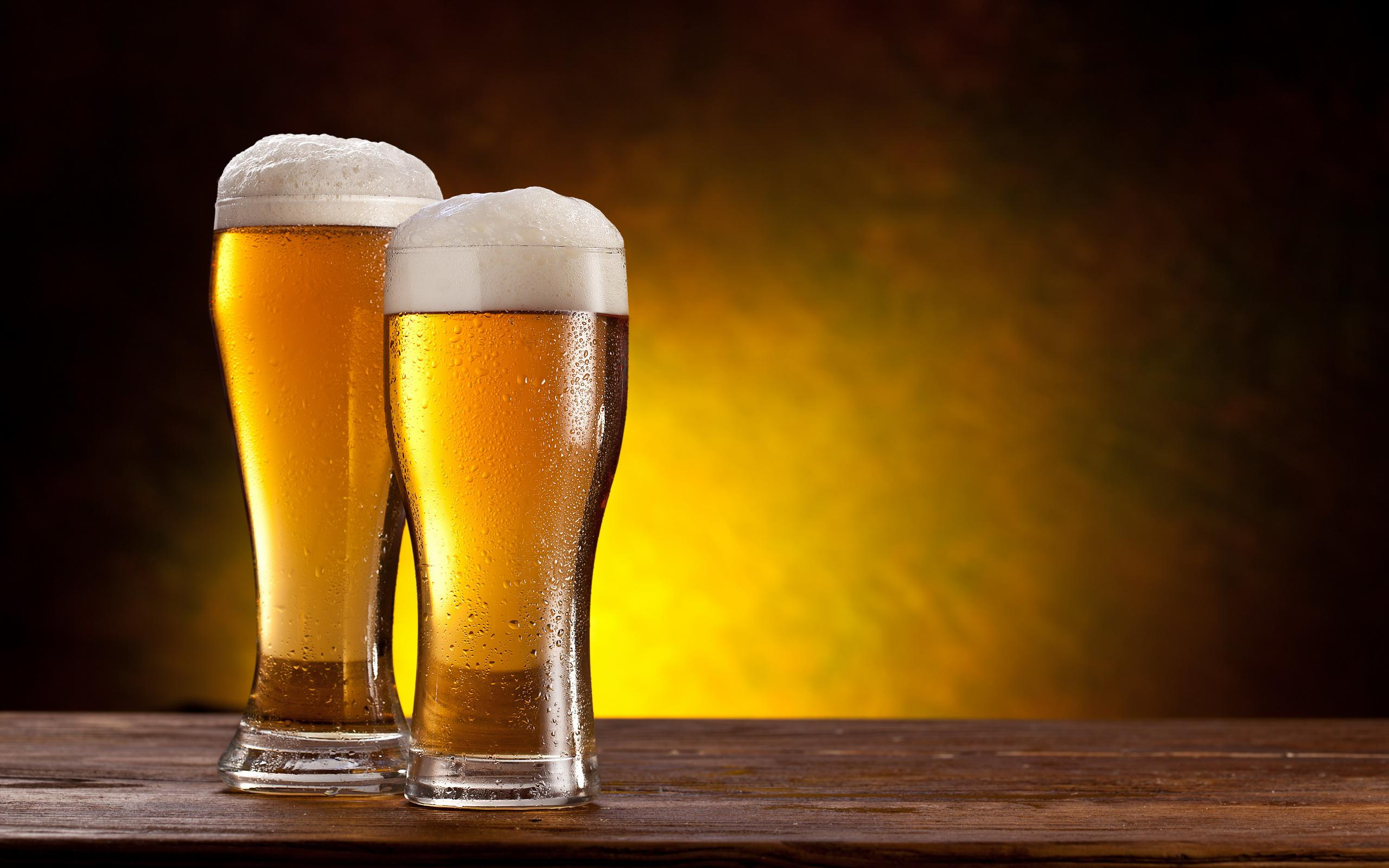 Can I Drink Beer & Still Lose Weight?
