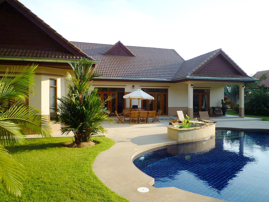 4 bedroom houses inspire pattaya 4 bedroom house for in nongplalai 10035