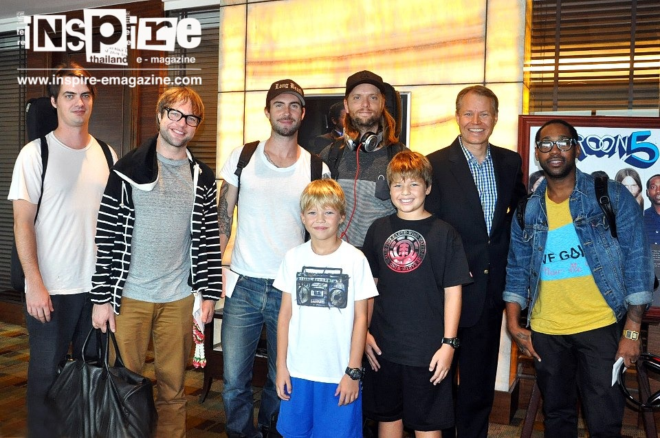 Maroon 5 arrive in Bangkok and check in at the InterContinental