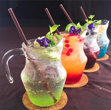 Free cocktail for all the lovers at Pupa Talo Restaurant