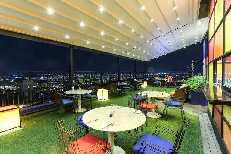 Inspire pattaya celebrate a season of love at sky for Design hotel pattaya